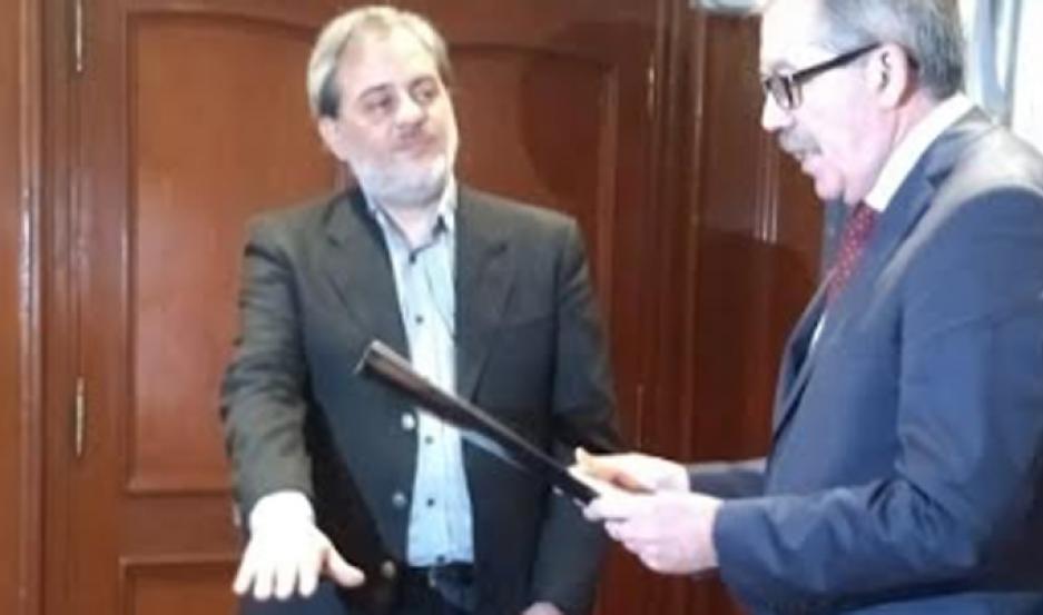 El jefe de Gabinete de Ministros, Elías Miguel Suárez, tomó el juramento de estilo.