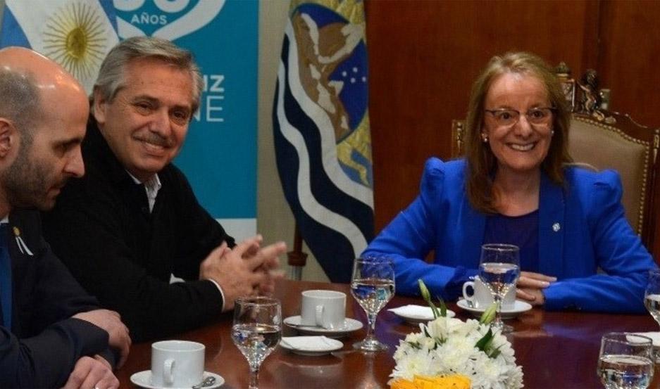 Alberto Fernández reunido con Alicia Kirchner.