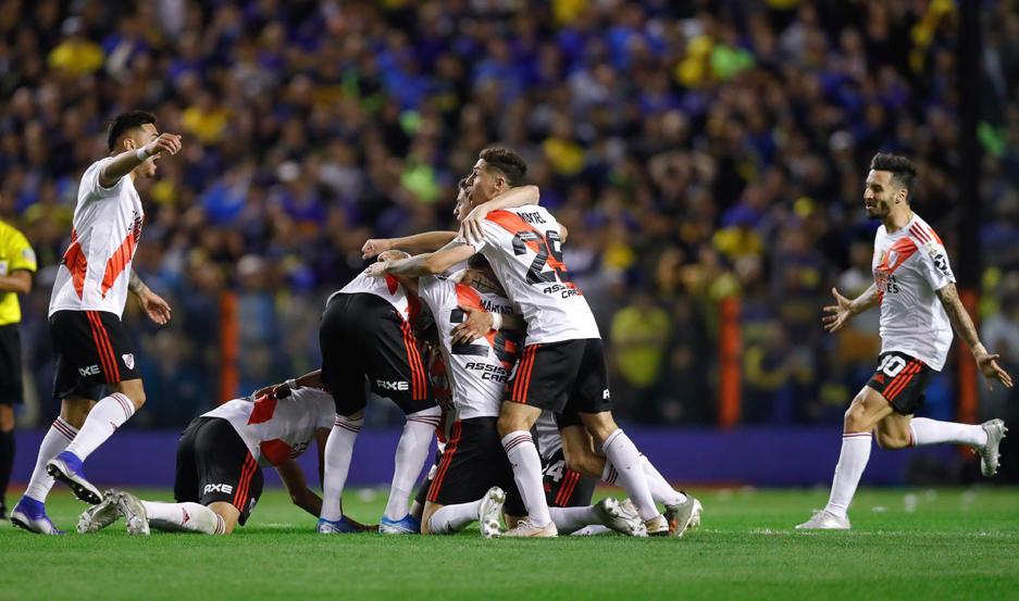 CELEBRACIÓN. River resistió hasta el final y, pese a la derrota, se clasificó a una nueva final de Copa Libertadores.