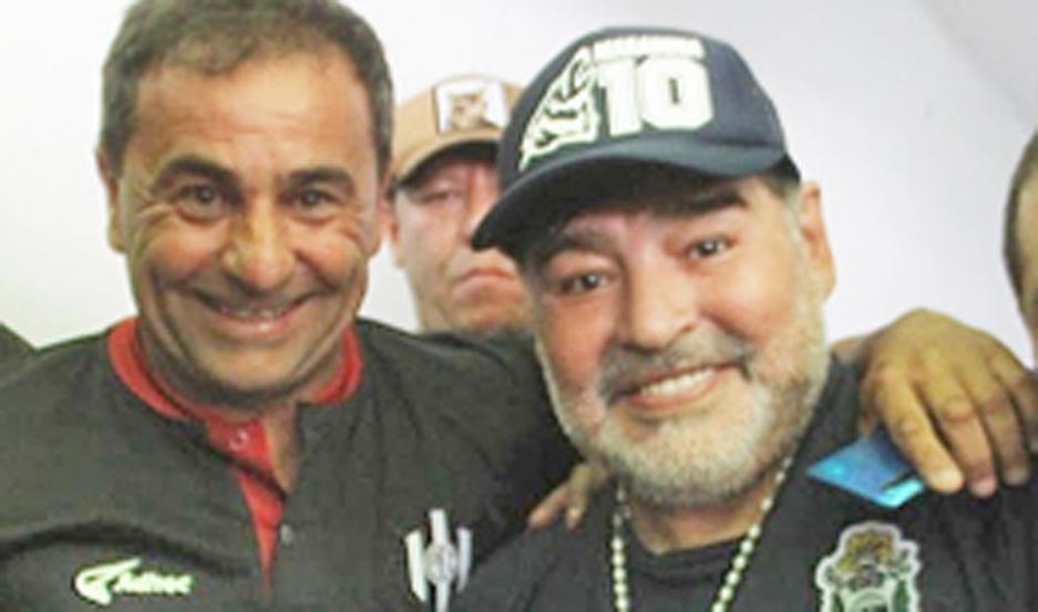 Coleoni y Maradona se volvieron a juntar, como en el 2000.